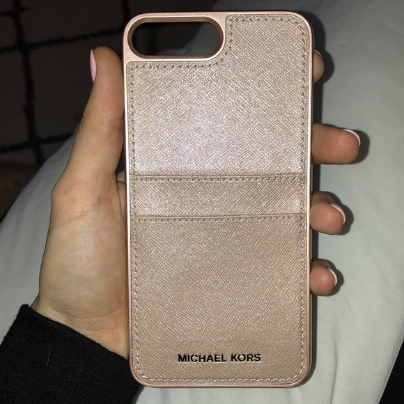 5ec9f1c986b4 Michael Kors IPhone 8 Plus phone case. M_5a43ba0385e605d44108ef90